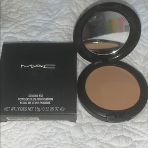 Mac studio fix NW35 powder plus foundation